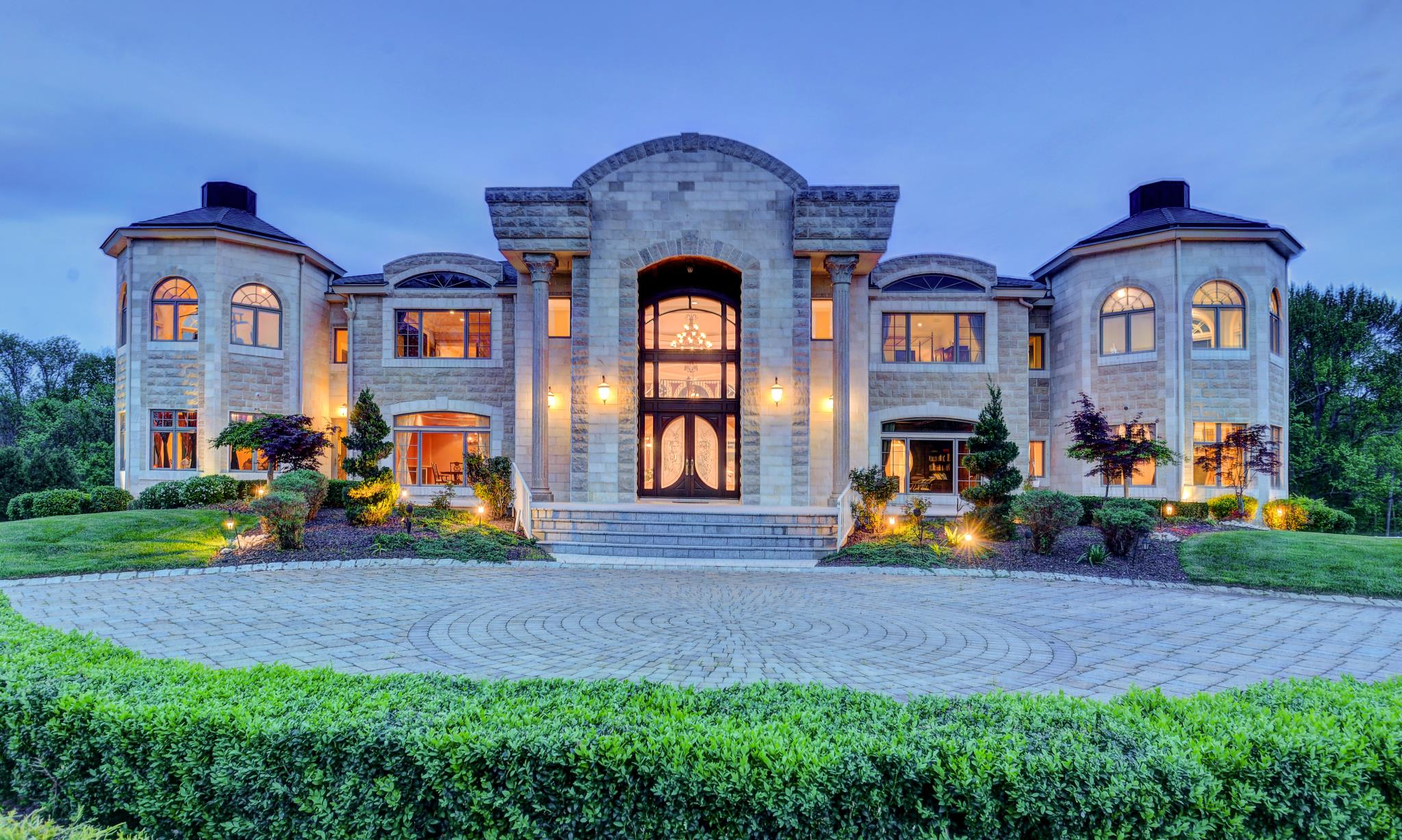 Luxury homes for sale luxury real estate luxury portfolio for Estate house